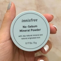 Обзор: Бесцветная минеральная матирующая рассыпчатая пудра Innisfree No-Sebum Mineral Powder